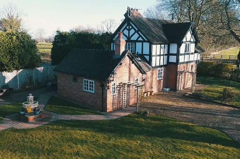 3 Bedrooms Detached House for sale in Doveridge, Ashbourne, Derbyshire, DE6 5PA