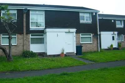 2 Bedrooms Flat for rent in Hogarth Drive, Washington