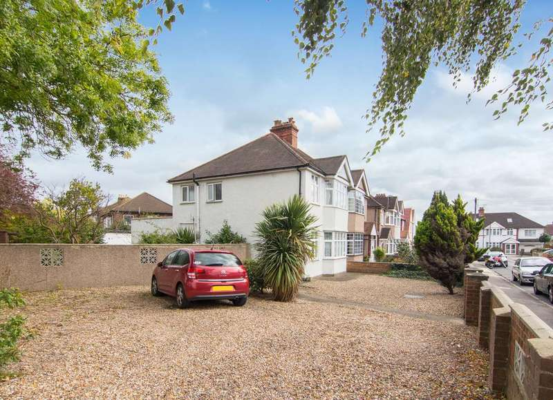 3 Bedrooms House for sale in The Close, Isleworth