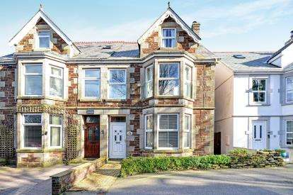 6 Bedrooms Semi Detached House for sale in St. Columb Major, Cornwall, .