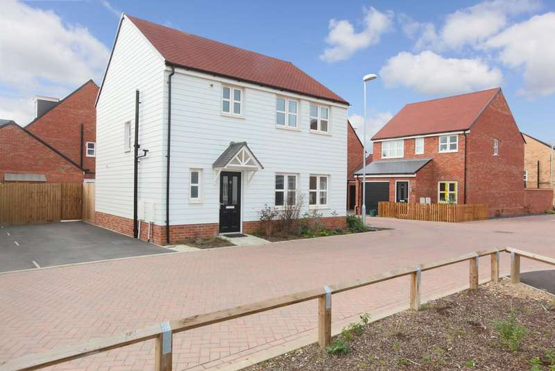 3 Bedrooms Detached House for sale in Otter Place, Stanway, CO3 8AU