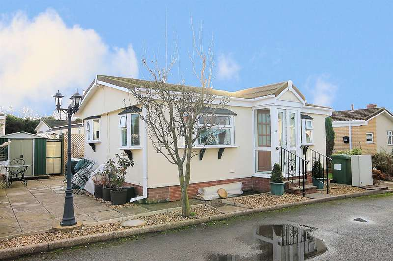 2 Bedrooms Park Home Mobile Home for sale in Amington Park, Amington, Tamworth, B77 3AX