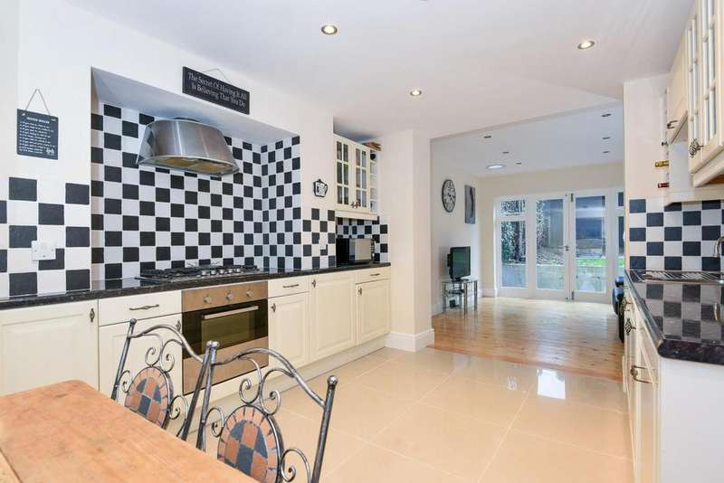 4 Bedrooms Flat for sale in Miranda Road, Whitehall Park