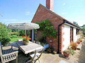 3 Bedrooms Cottage House for rent in Robins Lane, Burtle