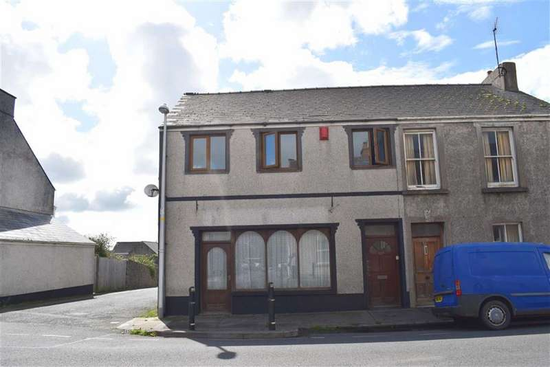 3 Bedrooms End Of Terrace House for sale in Military Road, Pennar, Pembroke Dock