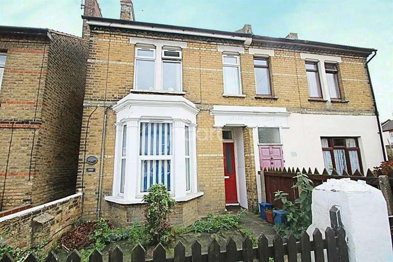 1 Bedroom Flat for sale in North Road