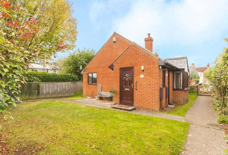 2 Bedrooms Property for sale in Godstow Road, Wolvercote, Oxford