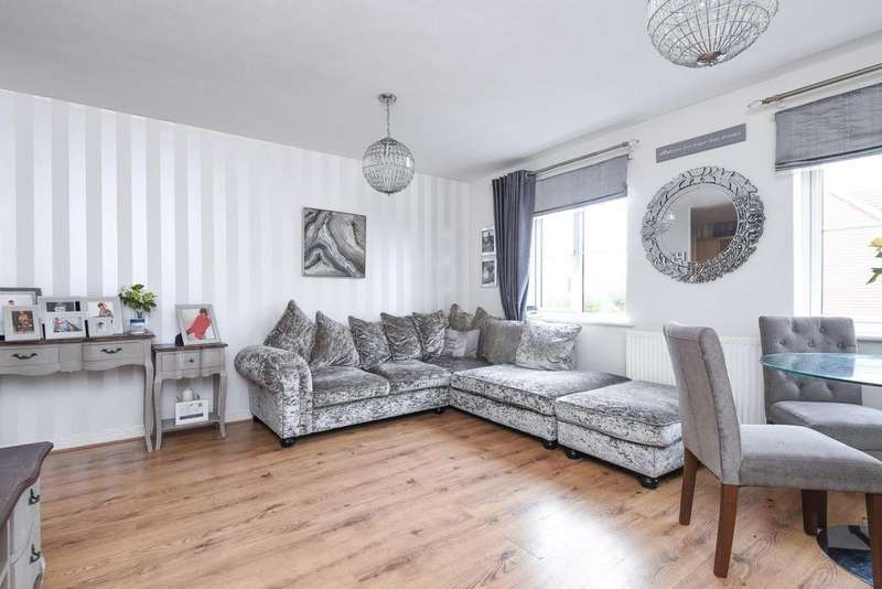 2 Bedrooms Flat for sale in Brady Drive, Bromley