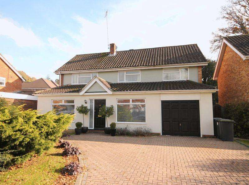 4 Bedrooms Detached House for sale in Blackthorns, Lindfield, West Sussex