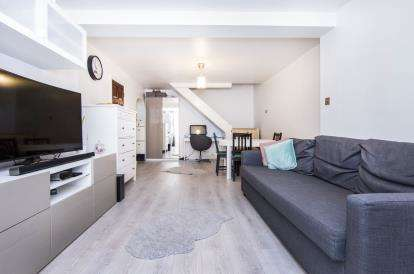 2 Bedrooms End Of Terrace House for sale in Grays, Essex, .