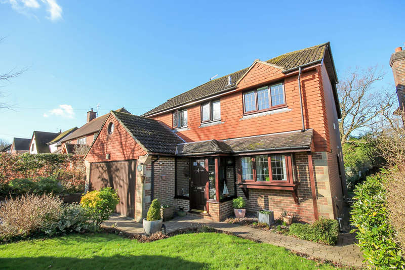 4 Bedrooms Detached House for sale in Ashdown Road, Forest Row