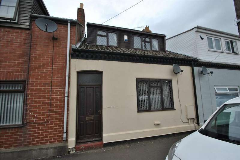 3 Bedrooms Terraced House for sale in Murton Lane, Easington Lane, Tyne and Wear, DH5