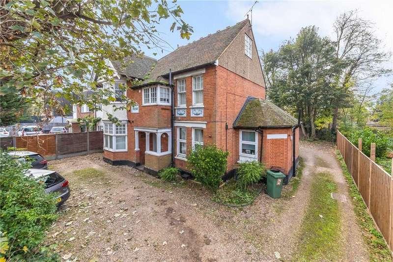 Studio Flat for sale in London Road, St. Albans, Hertfordshire