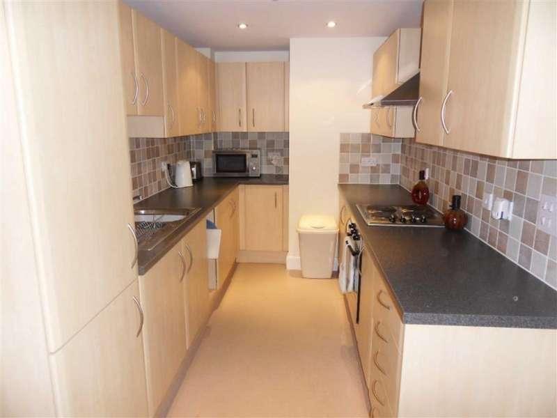 2 Bedrooms Apartment Flat for sale in Altamar, Kings Road, Swansea, West Glamorgan