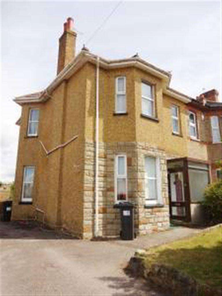 5 Bedrooms House for rent in Latimer Road, Winton, Bournemouth, Dorset