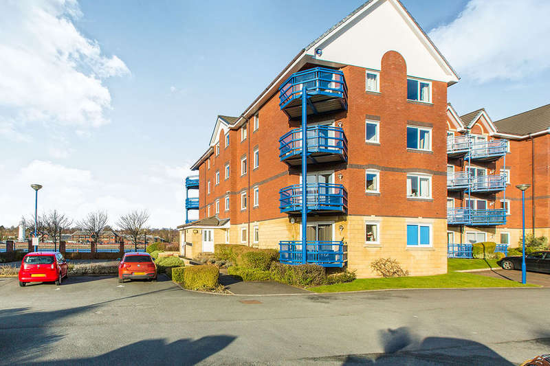 2 Bedrooms Flat for sale in Mountbatten Close, PRESTON, PR2