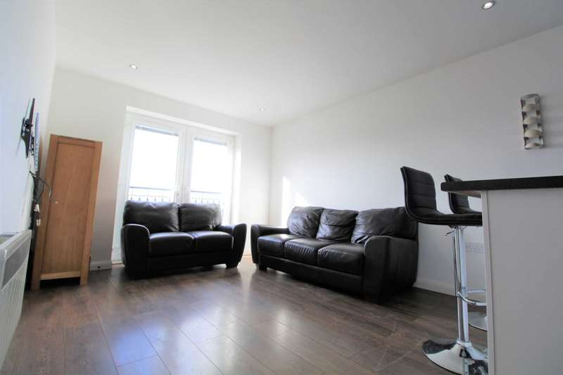 2 Bedrooms Apartment Flat for rent in Pennie Rise, Stoneclough Mews
