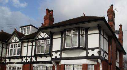 2 Bedrooms Flat for sale in York Drive, Grappenhall, Warrington, Cheshire