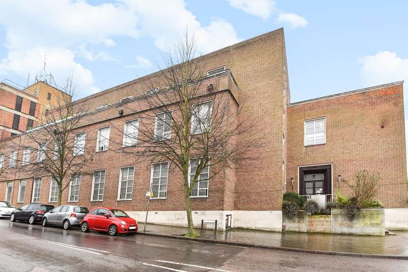 3 Bedrooms Apartment Flat for sale in Queen Street, Hitchin, SG4