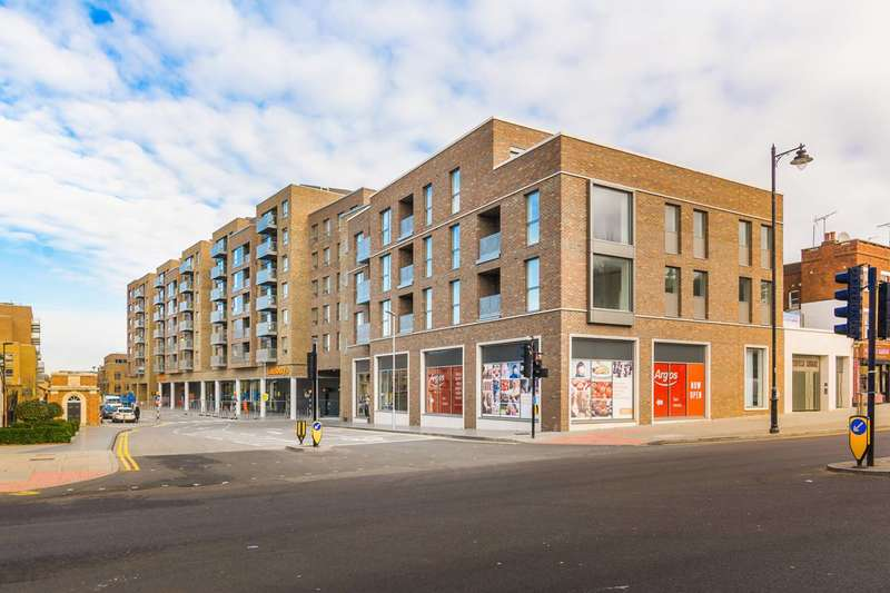 2 Bedrooms Flat for sale in Smithfield Square, Hornsey, N8