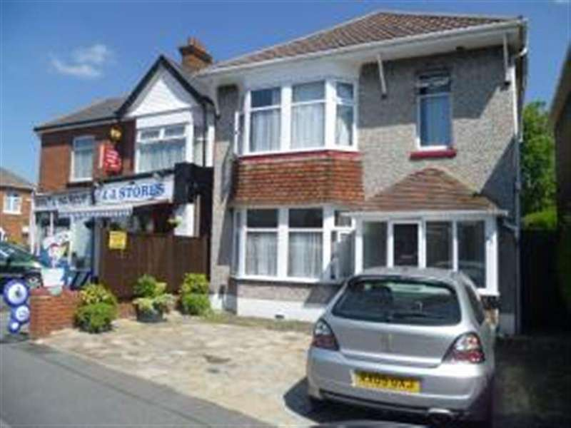 5 Bedrooms House for rent in Withermoor Road, Winton, Bournemouth, Dorset