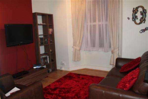 1 Bedroom Flat for sale in Braemar Road, Plaistow, London