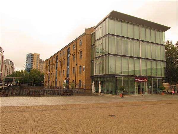 2 Bedrooms Flat for sale in Warehouse W, Western Gateway, London