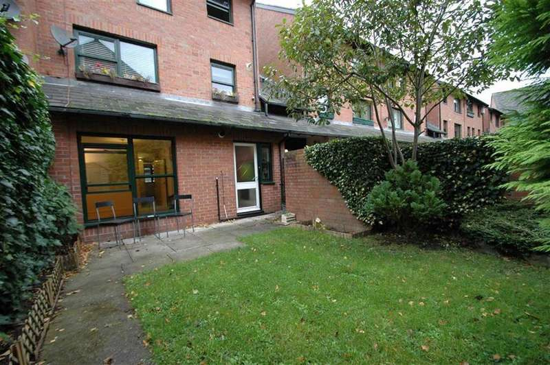 2 Bedrooms Apartment Flat for sale in Charlotte Court, Chester