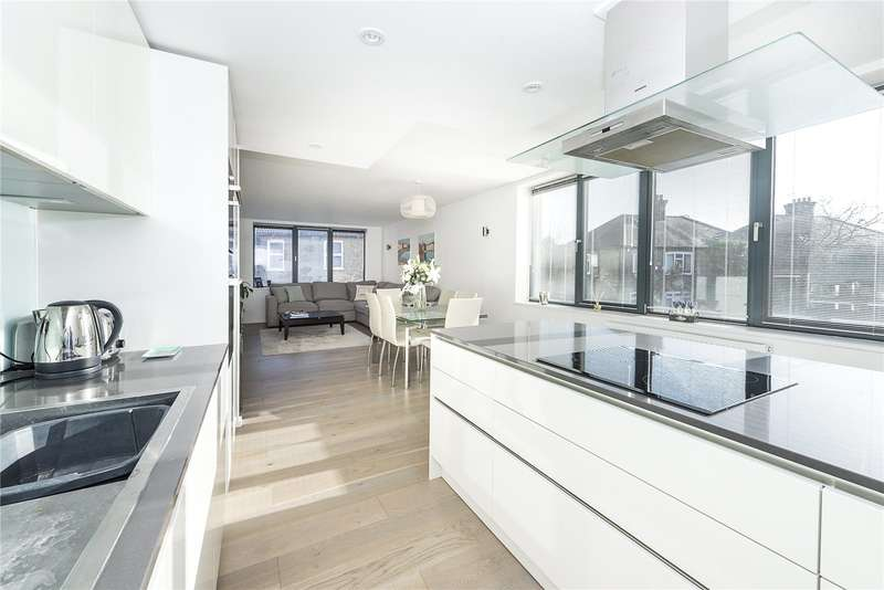 3 Bedrooms Flat for sale in Lower Richmond Road, Richmond, TW9