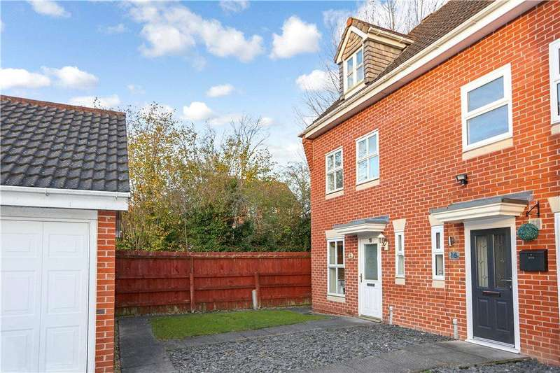 3 Bedrooms End Of Terrace House for sale in Connaught Road, The Oakalls, Bromsgrove, Worcestershire, B60