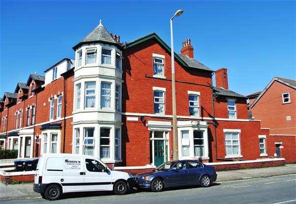 6 Bedrooms Property for sale in Pharos Street, Fleetwood