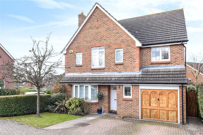 4 Bedrooms Detached House for sale in Carew Way, Watford, WD19