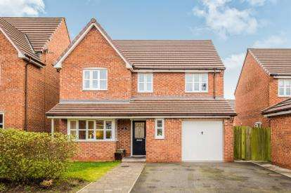 4 Bedrooms Detached House for sale in Portrush Close, Widnes, Cheshire, WA8