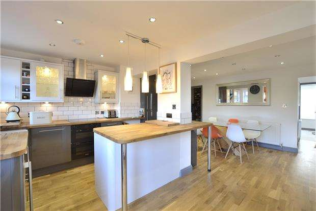 3 Bedrooms Semi Detached House for sale in Abbotswood Road, Brockworth, GLOUCESTER, GL3 4PF