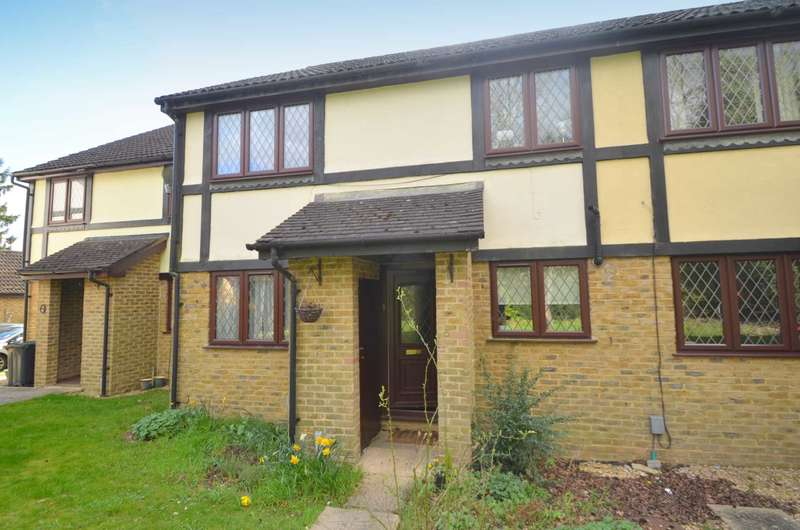 2 Bedrooms House for rent in Hardwicke Gardens, Amersham HP6