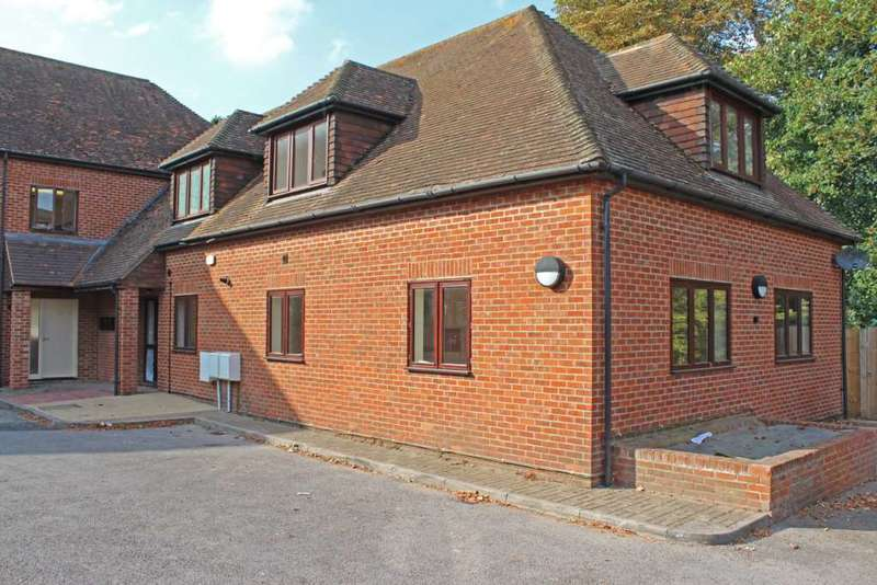 2 Bedrooms Apartment Flat for rent in High Street, Wallingford