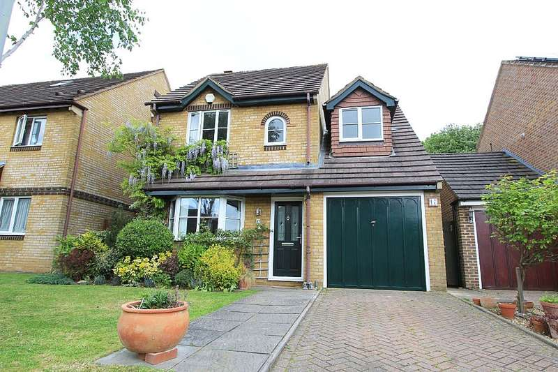 3 Bedrooms Detached House for sale in Glastonbury Close, Orpington, London, BR5