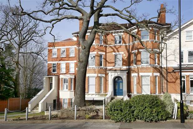 2 Bedrooms Flat for sale in Dulwich Wood Park, London