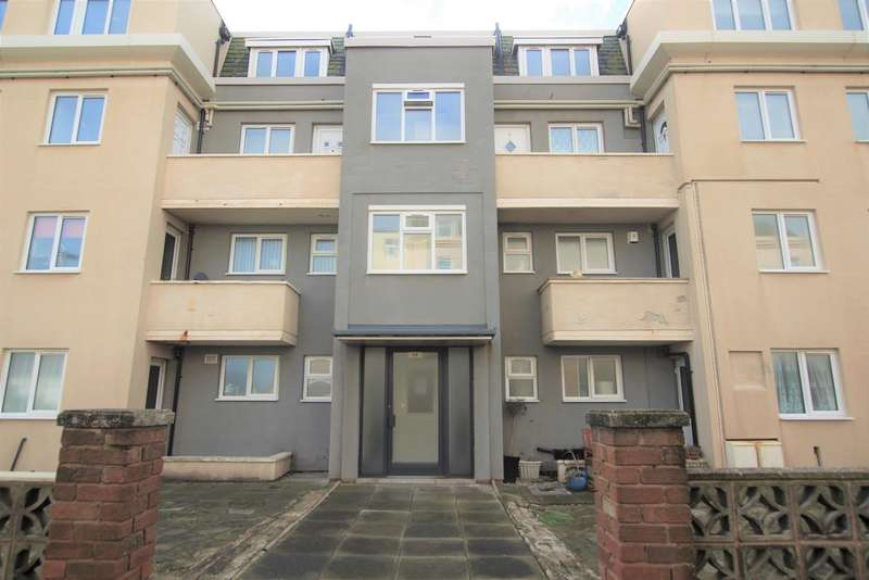3 Bedrooms Maisonette Flat for sale in Crescent Court FY4