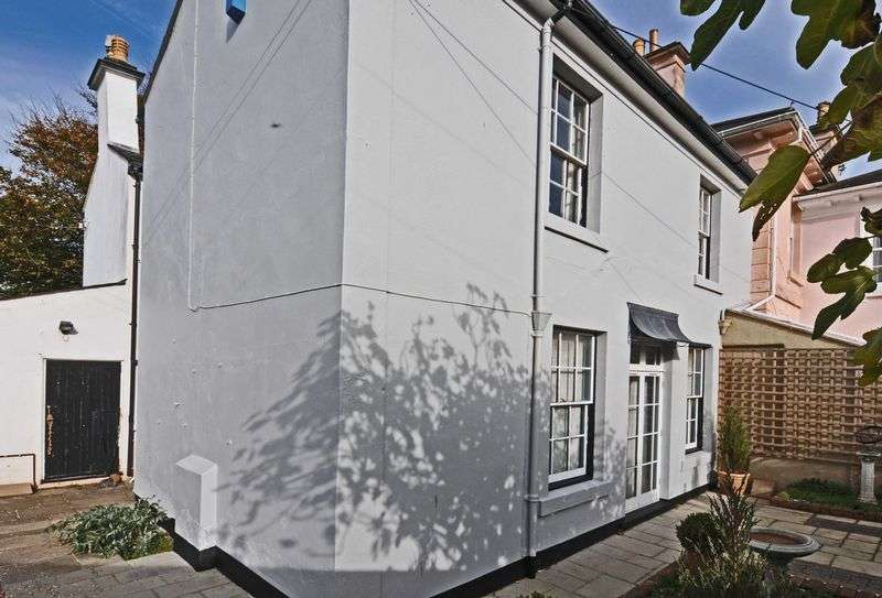 4 Bedrooms Property for sale in Warborough Hill Kenton, Exeter