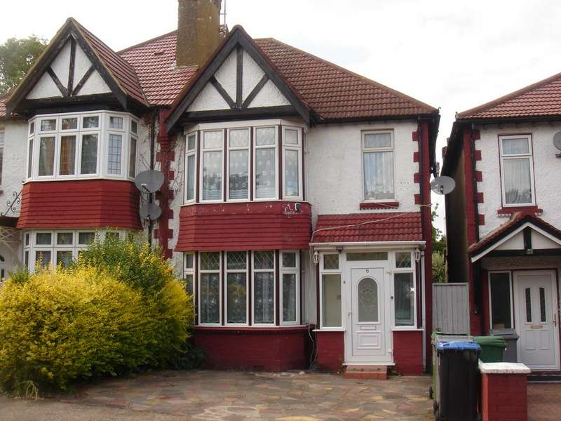 3 Bedrooms Semi Detached House for sale in Park Chase, Wembley HA9