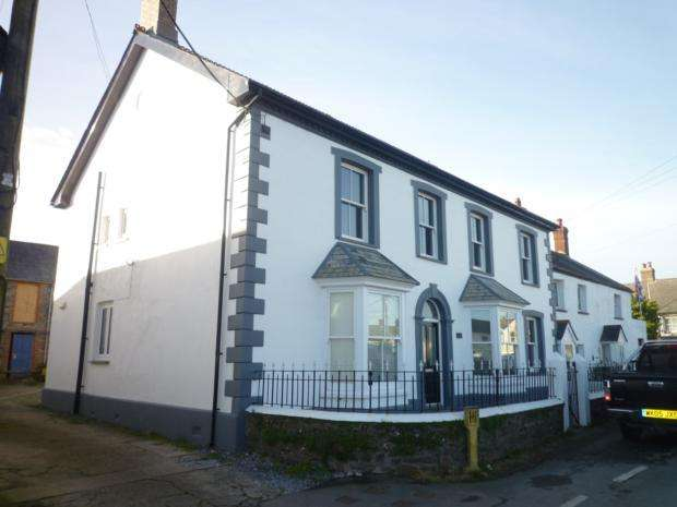 1 Bedroom Cottage House for rent in Eastways, The Square, EX22