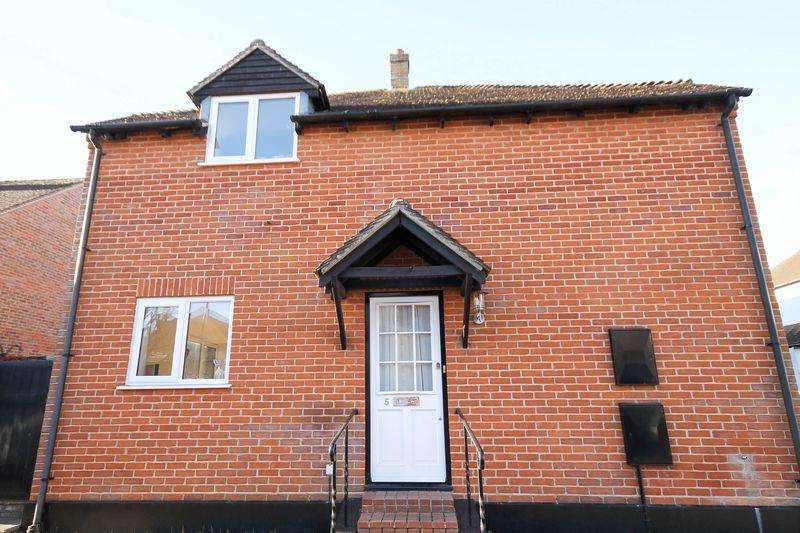 2 Bedrooms Semi Detached House for sale in Frankland Terrace, Emsworth