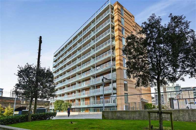 2 Bedrooms Apartment Flat for sale in St Georges Island, Castlefield, Manchester, M15