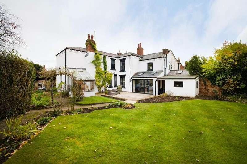 4 Bedrooms Semi Detached House for sale in East Road, Bromsgrove