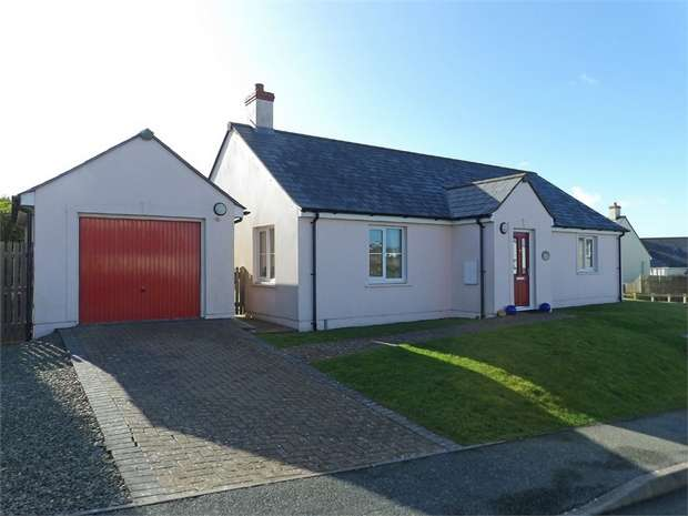 2 Bedrooms Detached House for sale in Swanswell Close, Broad Haven, Haverfordwest, Pembrokeshire