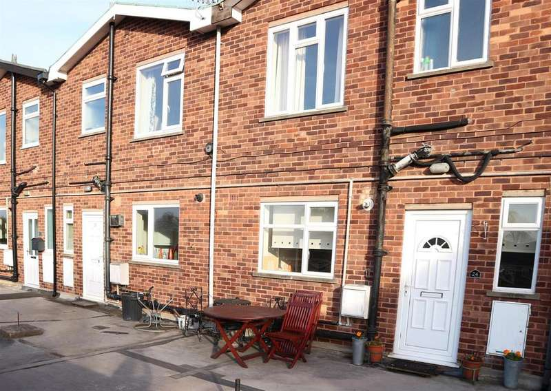 2 Bedrooms Apartment Flat for sale in Albion Parade, Kingswinford