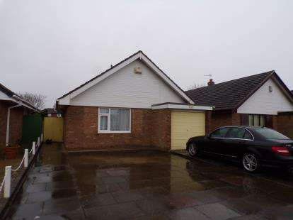 2 Bedrooms Bungalow for sale in Fylde Road, Southport, Merseyside, PR9