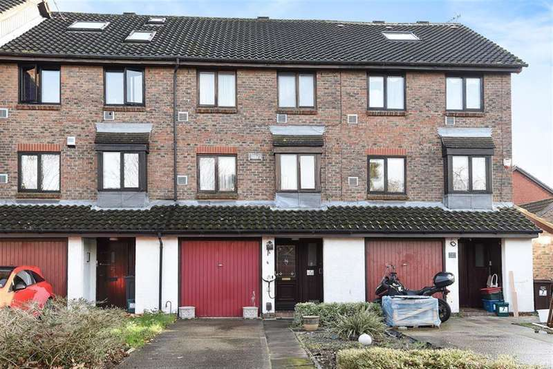 4 Bedrooms Town House for sale in Stags Way, Osterley, TW7