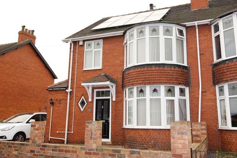 3 Bedrooms Semi Detached House for sale in Warren Avenue, Knottingley, WF11